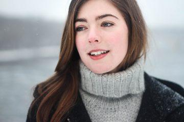 Jak uzyskać efekt śnieżnobiałego uśmiechu w domowych warunkach?