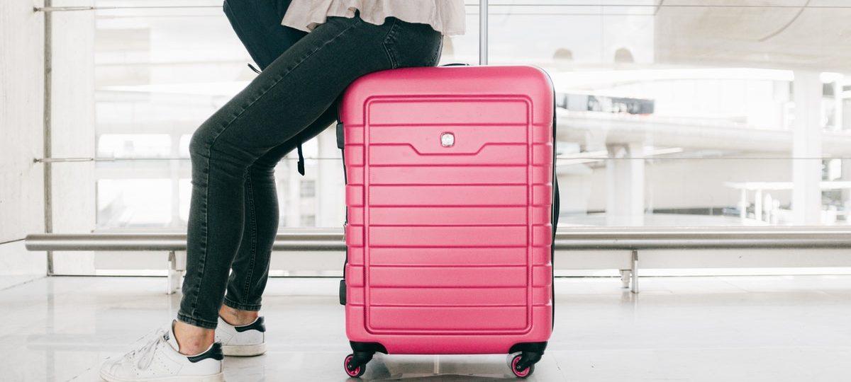 Wyjazd samodzielny czy z biurem podróży? Jak podróżować mądrze i bezpiecznie