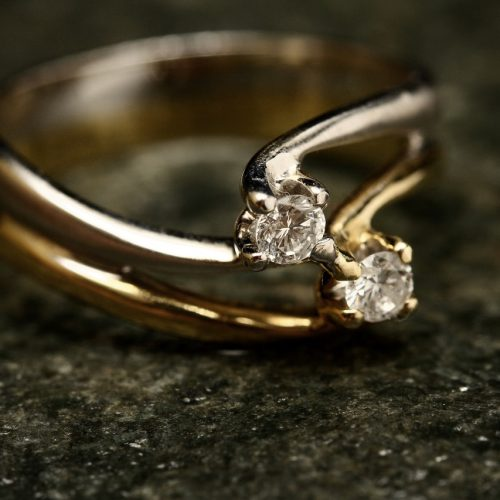 Bądź jak książę Harry – zaprojektuj własny pierścionek zaręczynowy